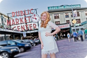 Senior Portraits in Post Alley and Pike Place Market in Seattle