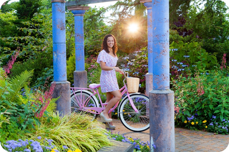 Beautiful Senior Pictures for Girls in Everett, Washington
