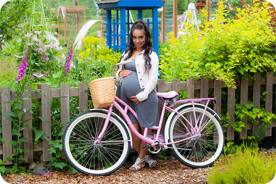 Maternity Photos in Marysville, Everett, WA